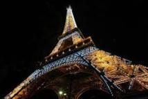 Ivre, il escalade la tour Eiffel en pleine nuit