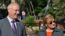 Toni Zeltzer, Maire de Woollahra, et Mr Eric Berti, Consul General de France à Sydney