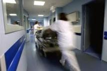 """Hôpitaux: """"On peut concilier excellence et accueil de la précarité"""", selon Martin Hirsch"""