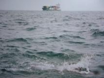 Un bateau de glace fond dans la Manche
