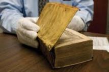 Un livre français relié avec... de la peau humaine