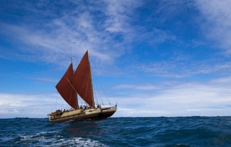Hōkūle'a en escale au cœur du monde polynésien