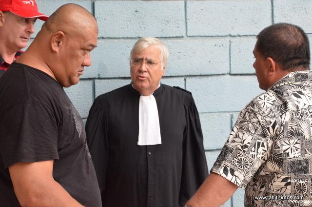 Tino Mara et Tutu Manate avec leur avocat, Me François Quinquis