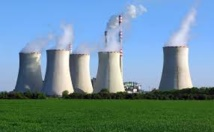 """Valls chez Areva: le nucléaire est une """"filière d'avenir"""" pour la France"""