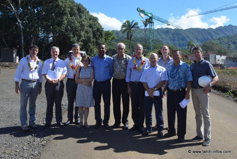 Les représentants de l'Etat, de l'administration pénitentiaire, du Pays et le maire de Teva i Uta, Tearii Alpha