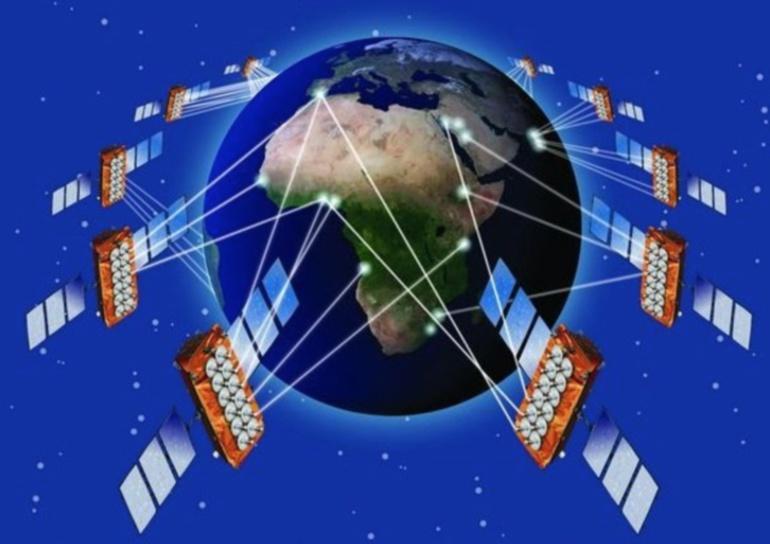 Les quatre premiers satellites de la constellation O3b doivent offrir un accès internet très haut débit et bon marché à trois milliards d'habitants de quelque 180 pays numériquement défavorisés