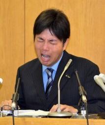 Démission au Japon d'un élu de province rendu célèbre par ses pleurs hystériques