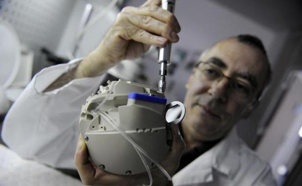 Coeur artificiel Carmat : la société autorisée à reprendre l'essai