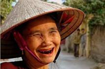 La mastication de cette noix qui donne à ses consommateurs une dentition rougeâtre