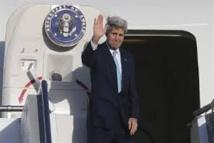 """Kerry aux îles Salomon évoque le souvenir du """"lieutenant Kennedy"""", blessé en 1943"""