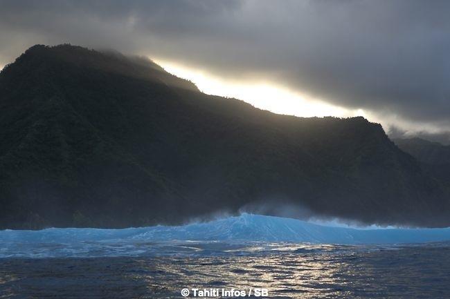 Billabong Pro Tahiti: En période d'attente! MAJ