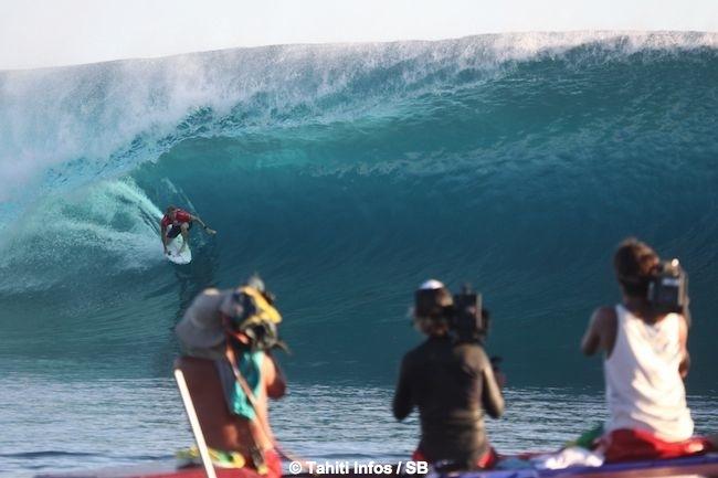 Billabong Pro Tahiti – Résumé jour 3 : Michel Bourez qualifié pour le round 4 avec au menu une hécatombe d'Australiens ! (Diaporama)