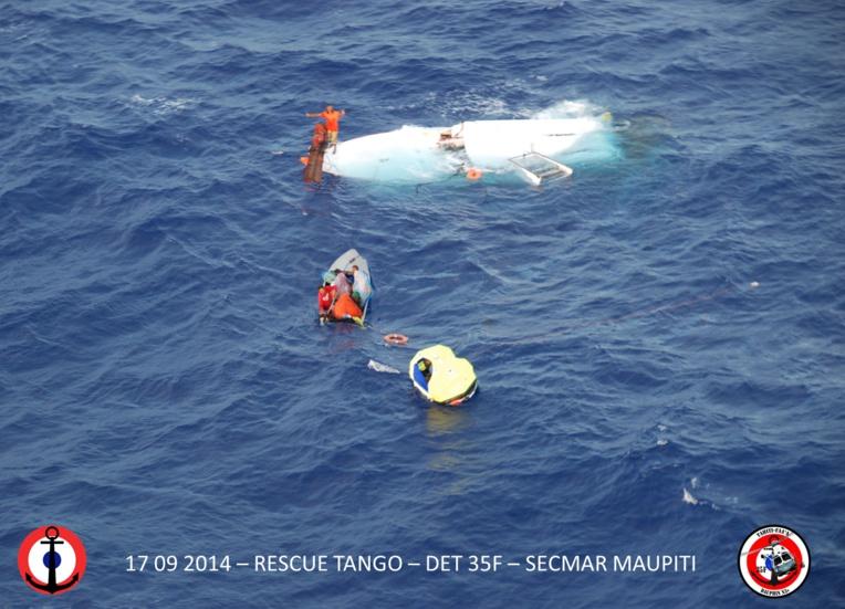 Le bonitier s'est retourné à 30 nautiques à l'Ouest au large de Maupiti, mercredi