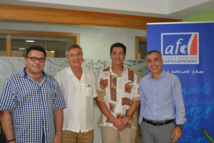 De gauche à droite : Frédéric Torrente, anthropologue au CRIOBE ; François Gaulme chercheur, spécialiste d'études à l'AFD ; Tamatoa Bambridge socio-anthropologue et directeur de recherche au CRIOBE, et Frédéric Audras, directeur de l'agence de Papeete de l'AFD.