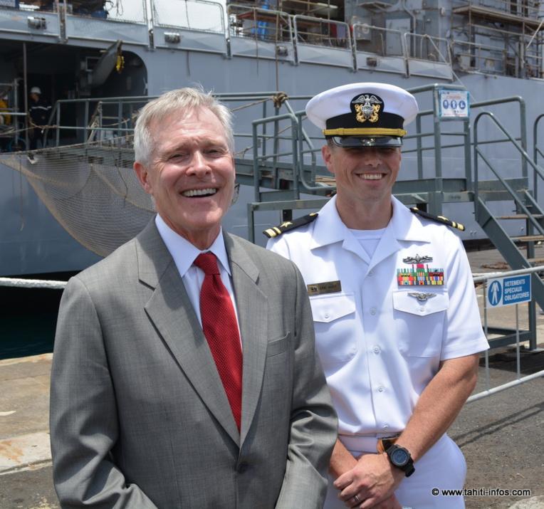 Le chef de la marine américaine en visite à Tahiti