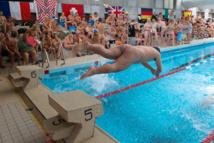 230 naturistes se jettent à l'eau dans une piscine de Mulhouse