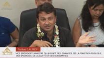 Le vice-président de la Polynésie à la tribune gouvernementale lors du débat sur les orientations budgétaires 2015.