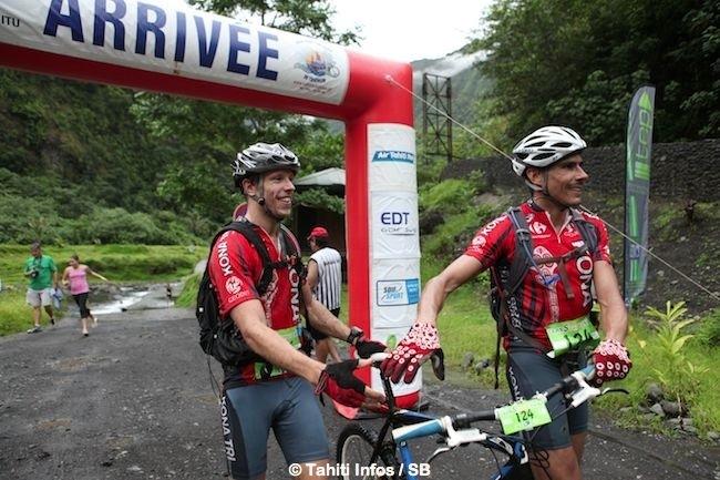 Yann Hotellier et son binôme, 1ers du run & bike