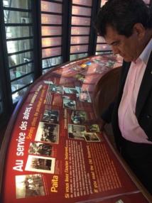 Edouard Fritch en visite au centre Tjibaou