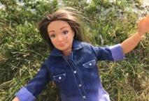 """Une poupée de """"femme normale"""" se veut l'anti-Barbie"""