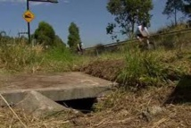 Australie: un bébé survit cinq jours abandonné dans un puits de drainage