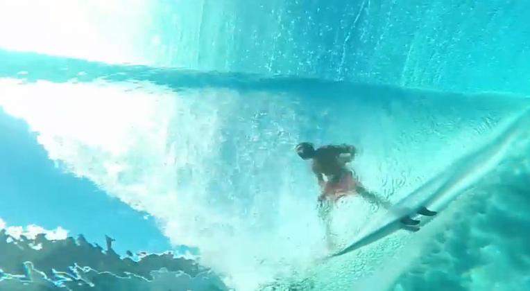 Ben Thouard a filmé la vague de Teahupo'o sous l'eau (vidéo)