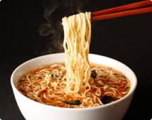 Japon: un bout de cafard dans une portion de nouilles, 750.000 rappelées