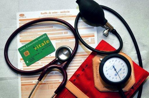 Médecins généralistes et spécialistes en grève contre la loi santé