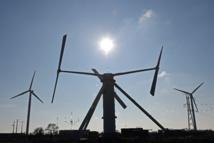 Une ferme pilote d'éoliennes flottantes au large de Fos-sur-mer en 2018