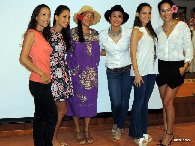 Laiana faugerat (2ème en partant de la droite) et une partie du comité Miss Tahiti