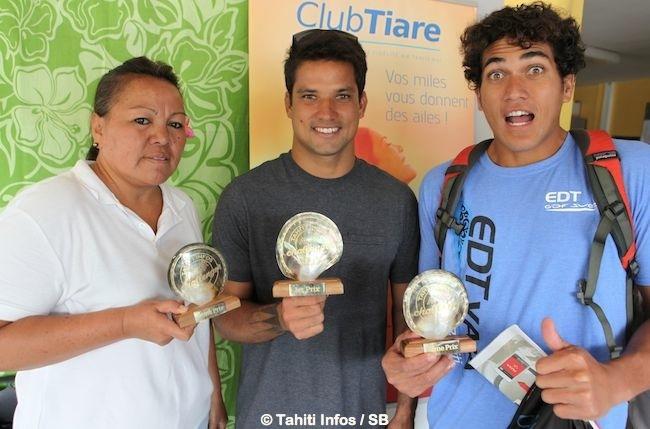 La maman de Anne Caroline Graffe ( hors territoire), Michel Bourez et Rete Ebb, le podium gagnant des polynésiens