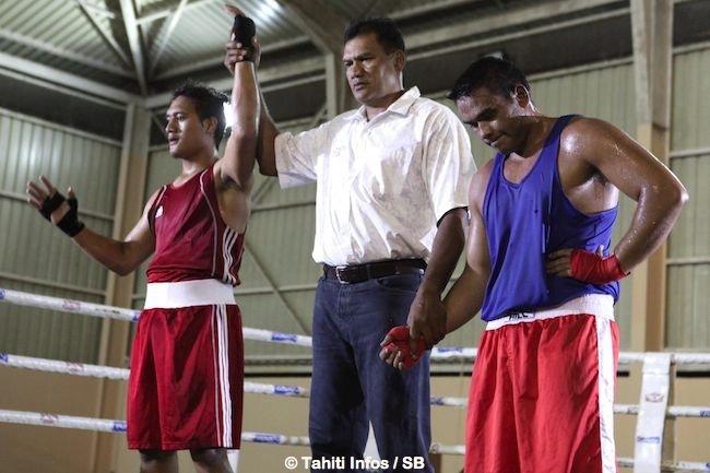Le gaucher Henere Tetoofa gagne après un combat disputé