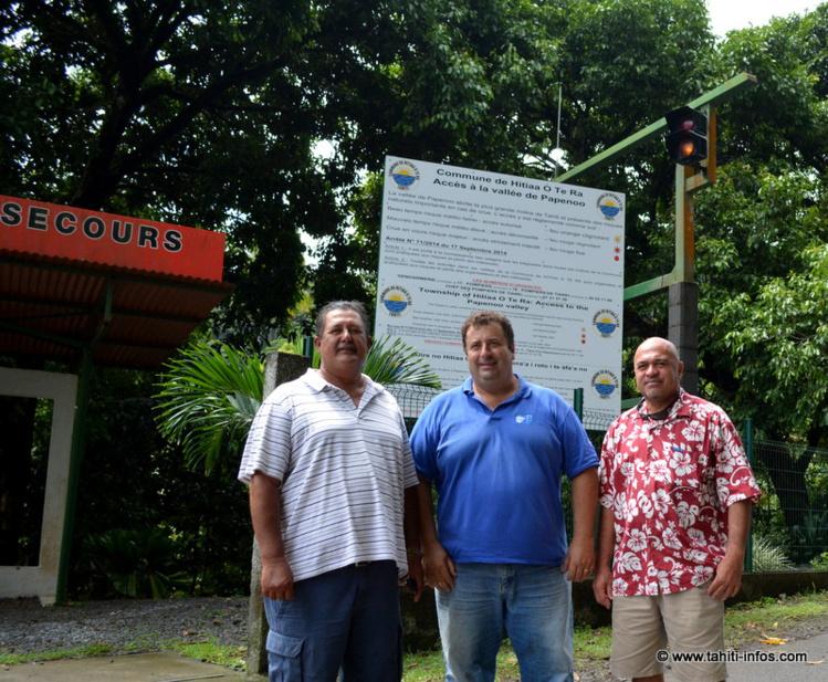Dauphin Domingo maire de Hitiaa o te Ra, Yann Wolff, directeur technique de Marama Nui, et l'adjoint au maire