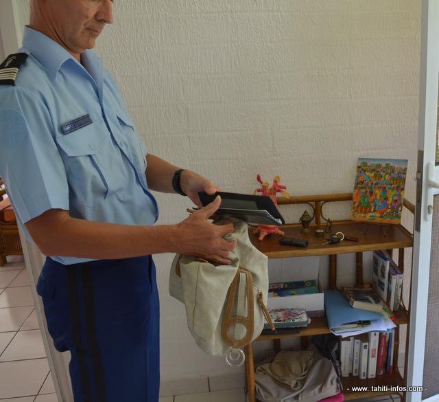 Ne pas vider ses poches ou laisser de sacs à main à l'entrée de la maison avec la porte non verrouillée
