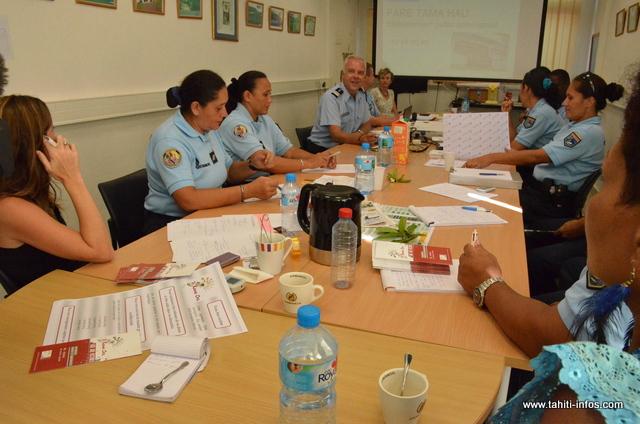 La gendarmerie a organisé mercredi la première journée de rencontre et de coordination des référents chargés de la lutte contre la violence intrafamiliale.