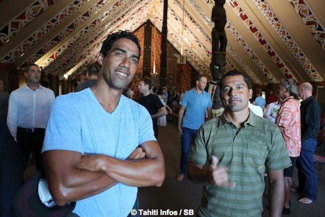 Ultimate Waterman : Les Tahitiens Manoa et Georges accueillis selon la tradition maorie. (Diaporama)