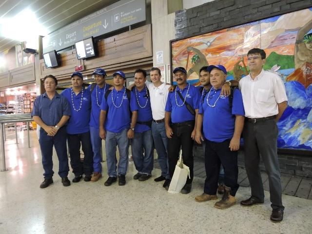 Sept agents d'EDT ont pris le vol Air Calin jeudi matin.