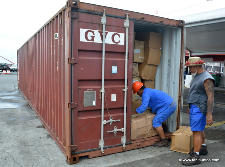 Solidarit Vanuatu Trois Containers Remplis De Dons