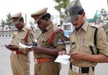 Inde: quatre policiers escortant un meurtrier détenu passent par la case bordel