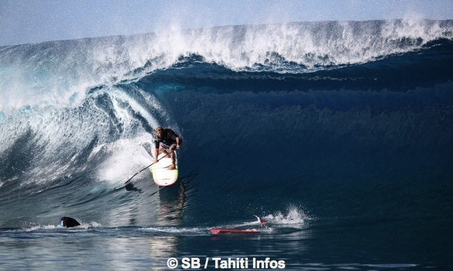 Laird Hamilton vient souvent à Tahiti