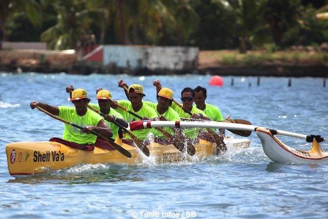 Shell Va'a arrive pas loin derrière Edt, cela promet pour la Tahiti Nui Va'a