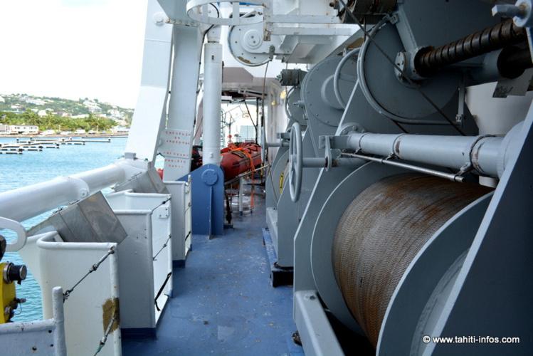 Ces treuils pour mettre à l'eau les petits engins de carottage ont 8500 mètres de cable