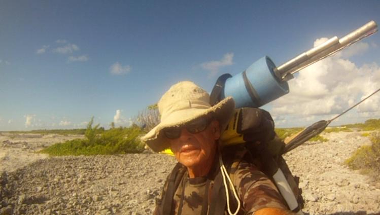 Tour de Rangiroa à pied : Francis Gazeau a dû abandonner