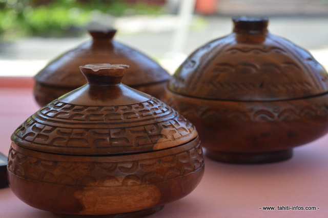 Des artistes sculpteurs de Ua Huka exposent pour la première fois à Tahiti