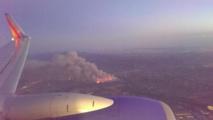 Los Angeles menacée par des incendies de broussailles, des habitants évacués