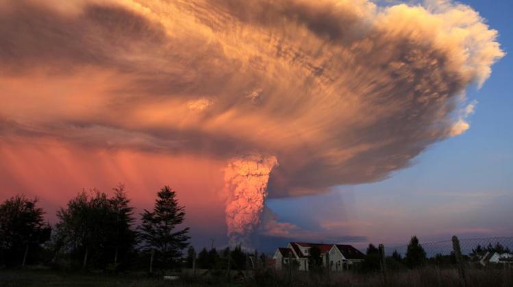 Le sud du Chili et de l'Argentine sous les cendres du volcan Calbuco