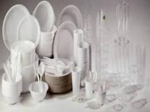 Transition énergétique: l'industrie du plastique dénonce un amendement sur la vaisselle jetable