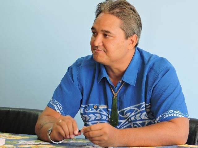 """Sénatoriales : """" Je suis pour l'ouverture : celle de mon bulletin au second tour"""", propose Richard Tuheiava"""