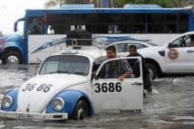 Trois morts après de fortes vagues en Amérique latine