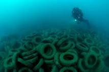 Récifs artificiels: opération pilote de retrait de pneumatiques en Méditerranée